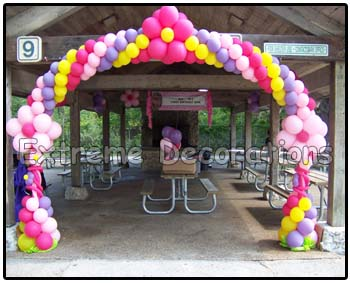 Flowers balloon arch shelter entrance Miami
