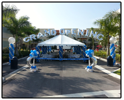 Grand opening balloon arch decoration