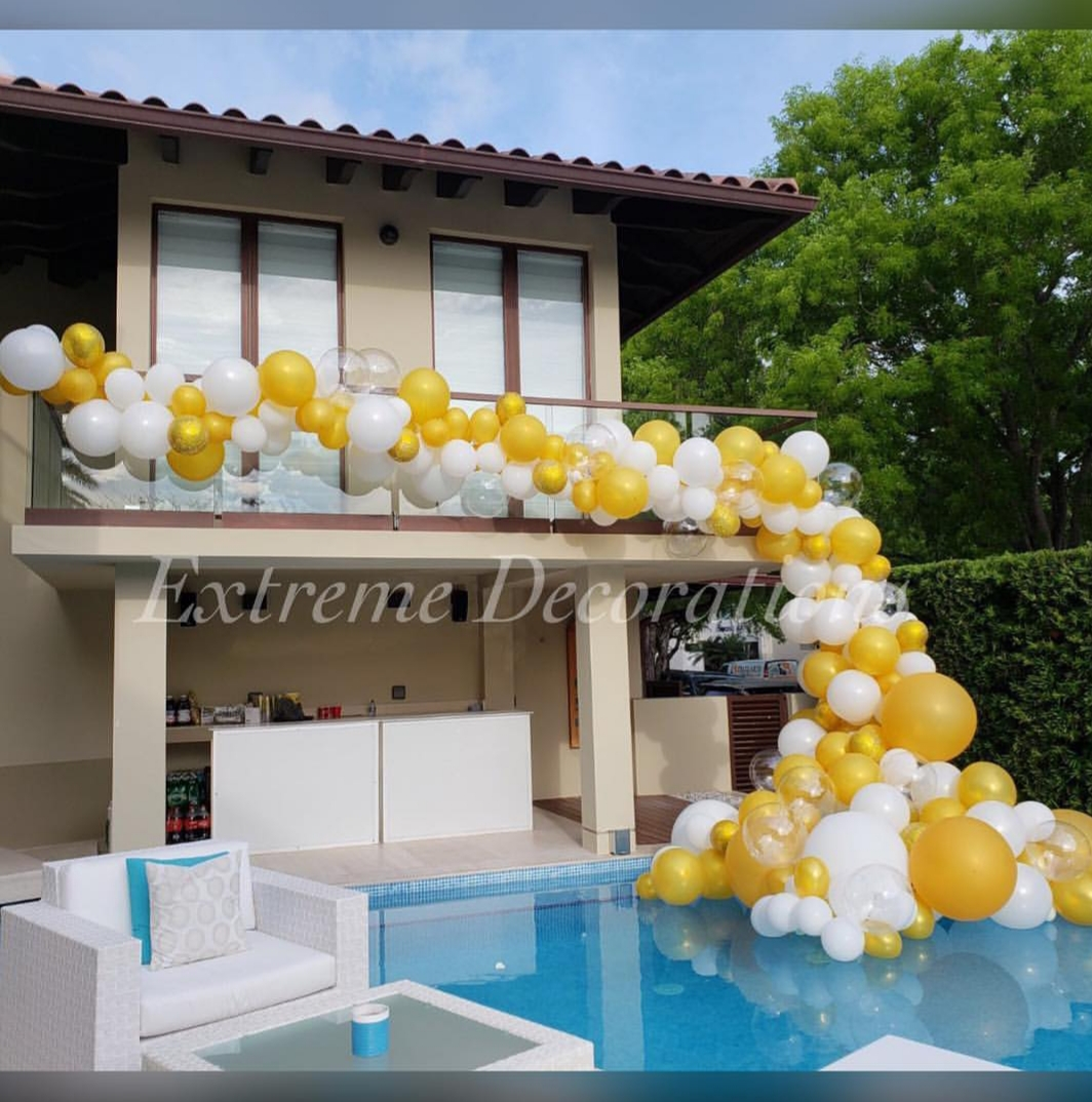 Oversized Organic balloon garland