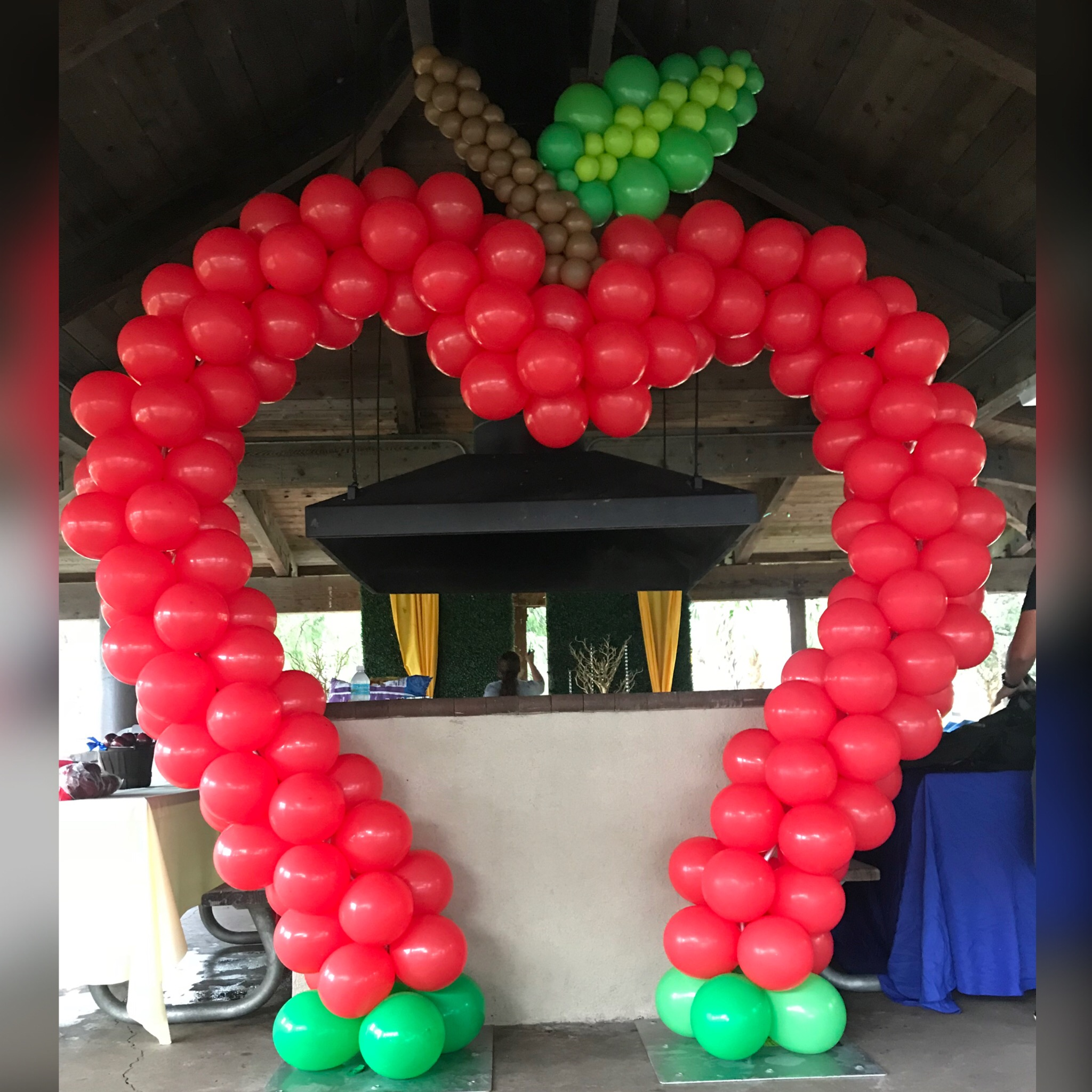 Snow White Apple Entrance balloon arch