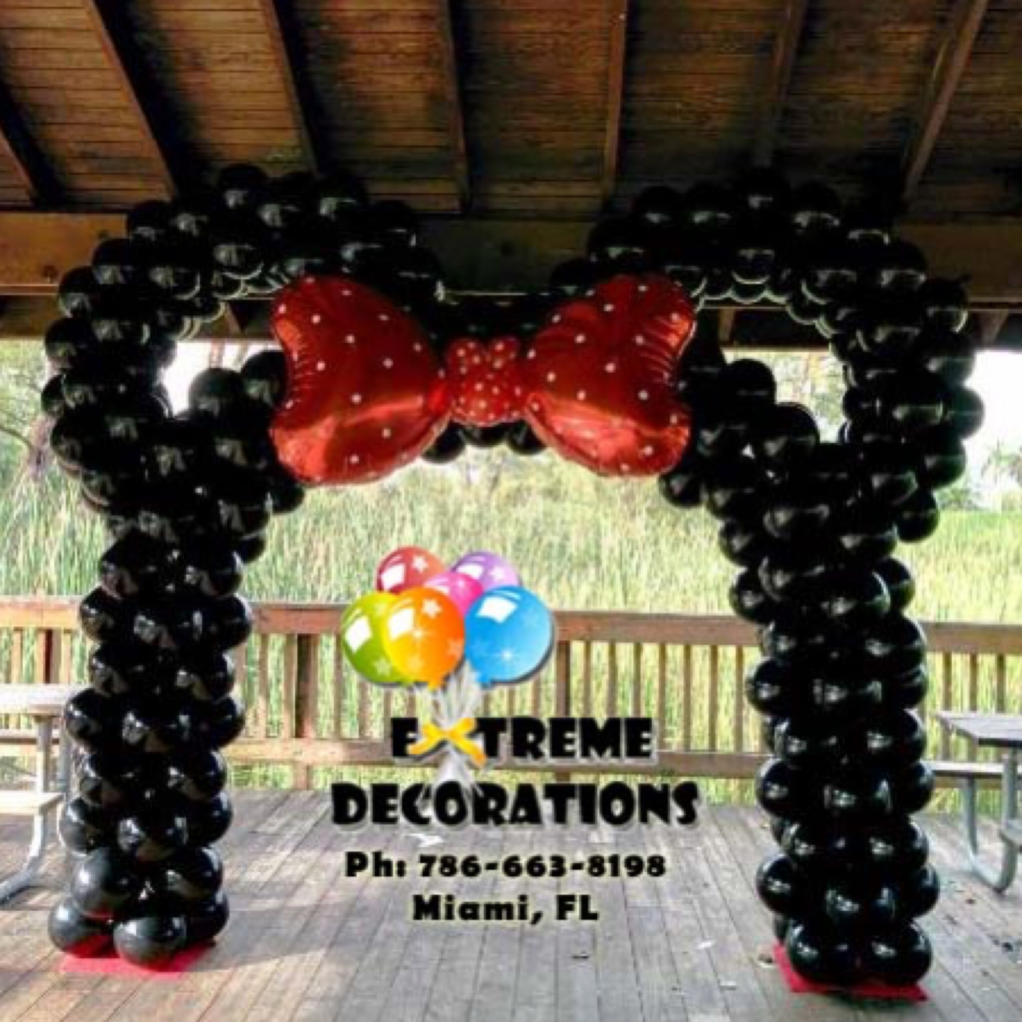 Minnie inspired balloon arch