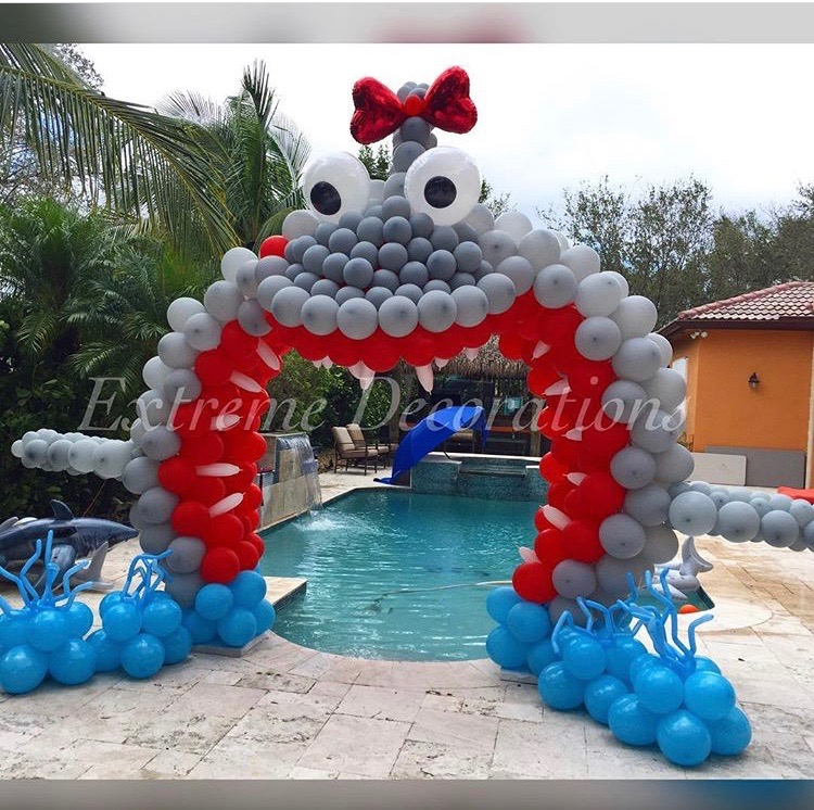 Shark balloon arch