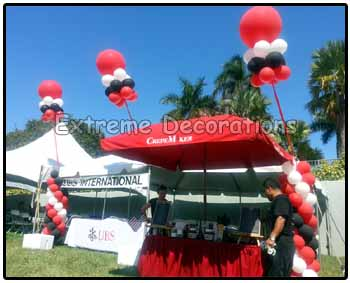 Tent balloon decoration with balloon kites