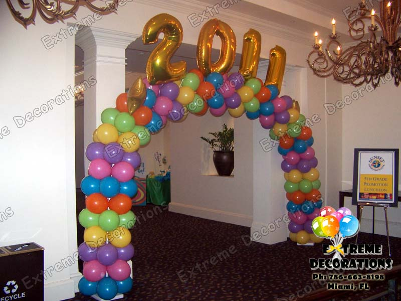Party decorations miami balloon sculptures for Balloon decoration ideas for graduation