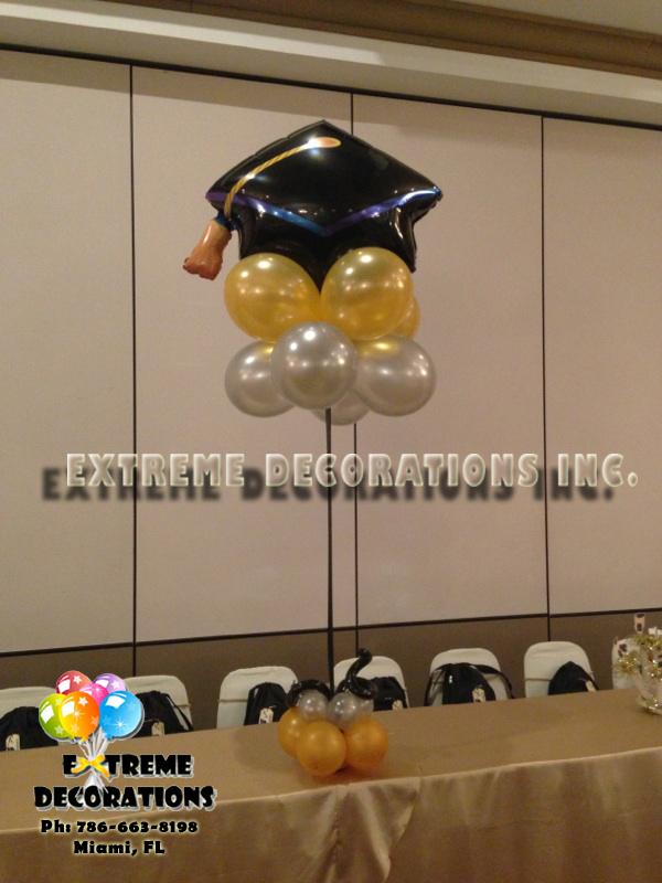 Graduation balloon centerpiece Miami
