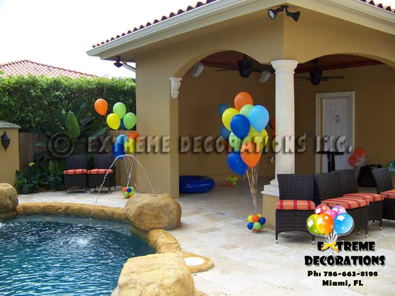 Balloon bouquets for pool decoration