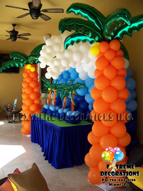Balloon palm trees with balloon wave