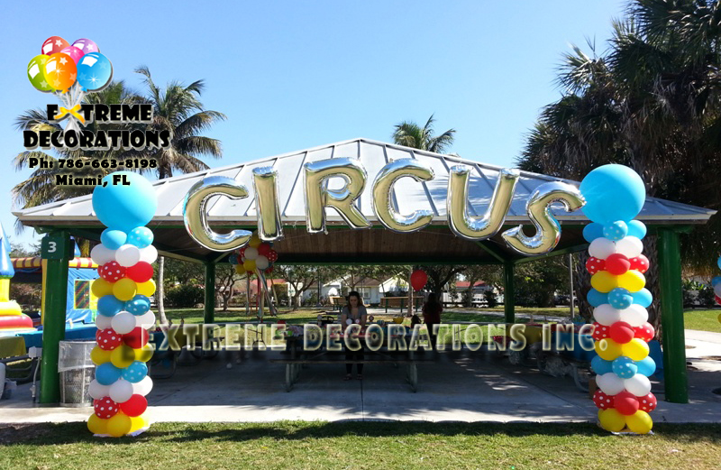 Megalloon Personalized Circus balloon arch Miami