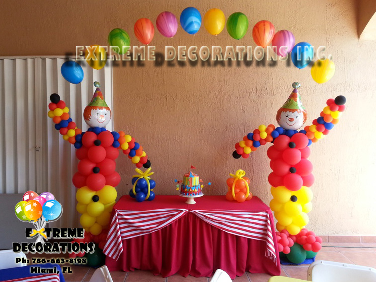 Circus Themed Table Decorations Part - 42: Circus Theme Cake Table Decoration. Clown Balloon Arch