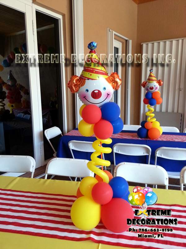 Clown balloon centerpiece Miami Balloon Decorations