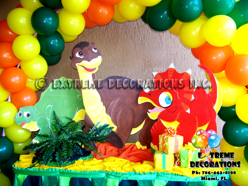 Dinosaurs kids birthday party decorations