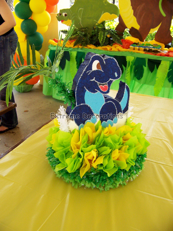 Dinosaurs birthday party centerpiece - table decorations