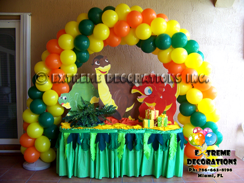 Dinosaurs kids party decorations