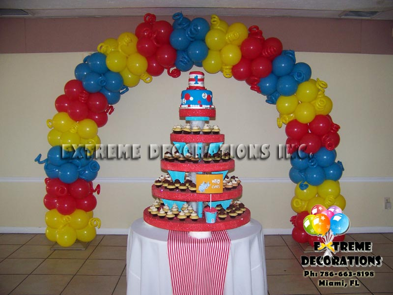 Dr Seuss Balloon arch