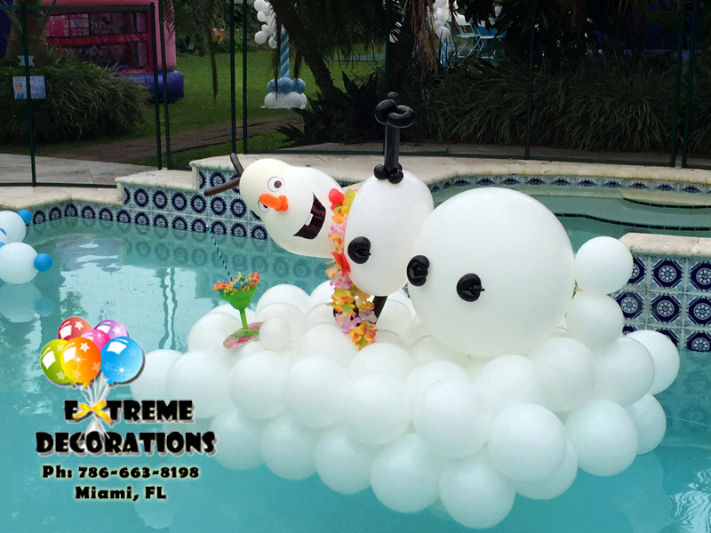 Olaf balloon sculpture Pool decoration Miami