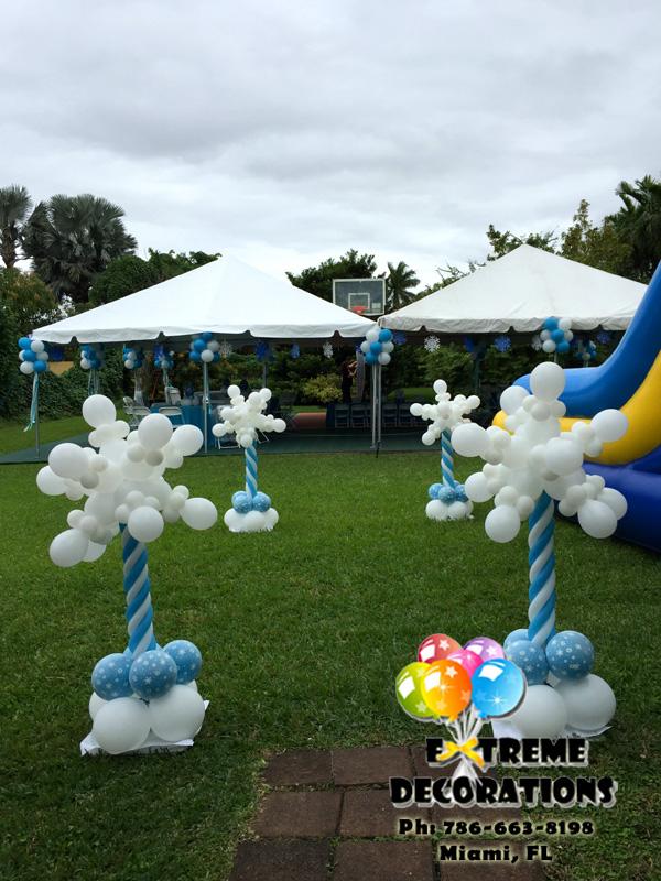Snowflakes balloon columns