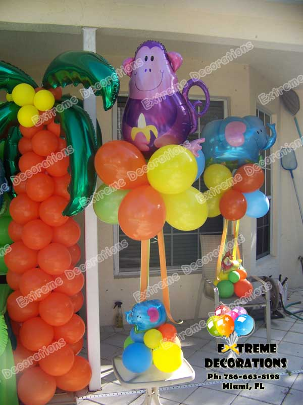 jungle theme balloon centerpieces