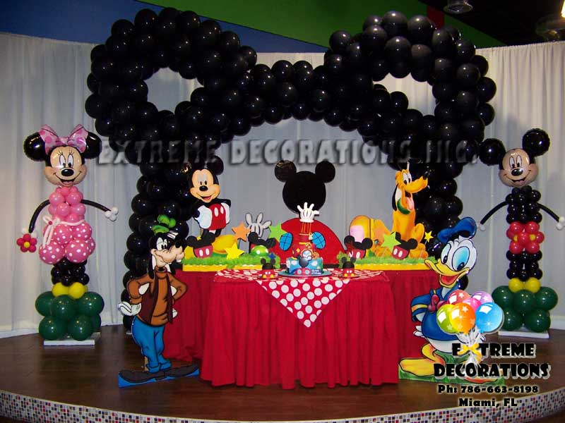 Party decorations miami balloon sculptures for Baby mickey decoration ideas