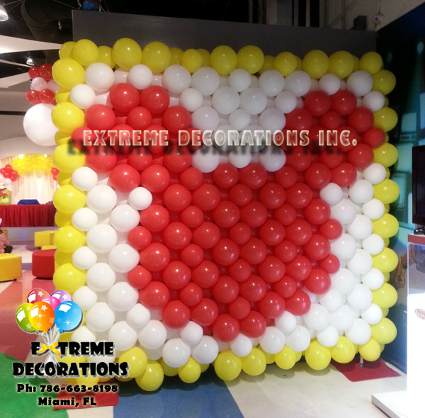 Mickey Mouse balloon wall / Balloon Decorations Miami
