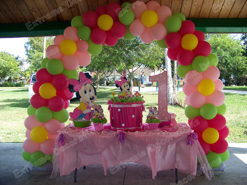 Party decorations miami balloon sculptures for Baby birthday decoration photos