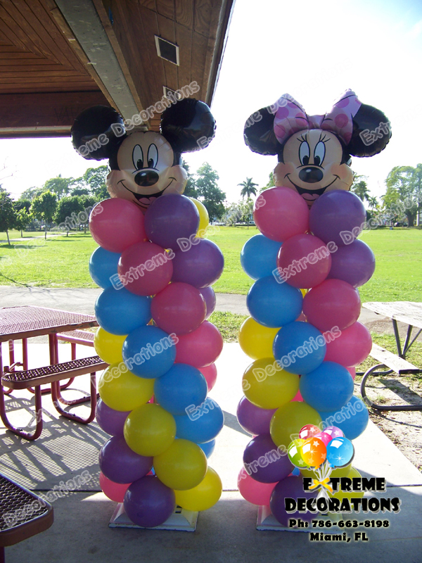 Mickey and Minnie balloon columns