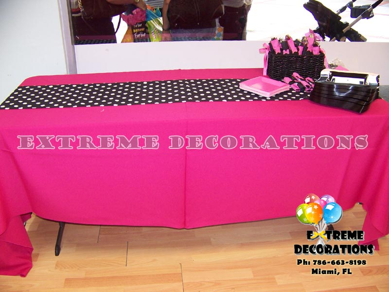 Polka dots tablecloth runner Miami