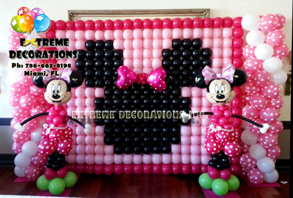 Party decorations miami balloon sculptures for Balloon decoration on wall for birthday