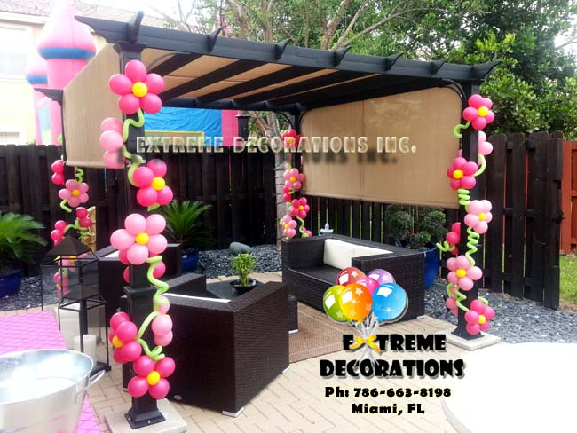 Gazebo balloon decoration flowers