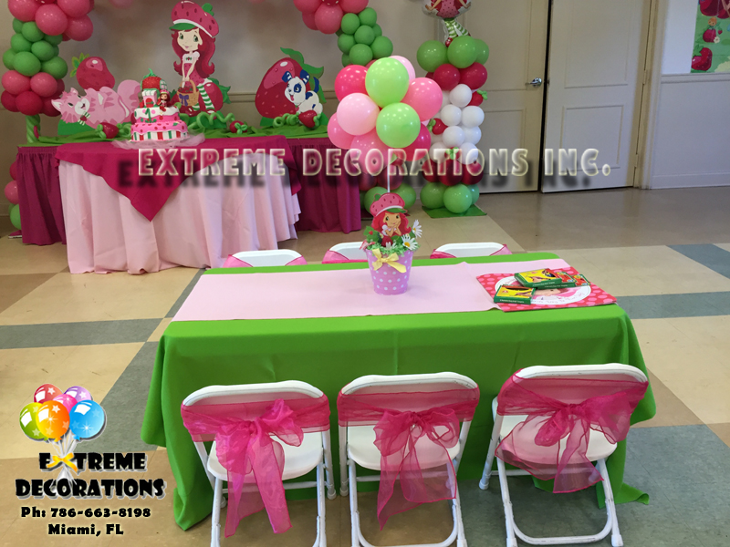 Strawberry shortcake decorations Kids table