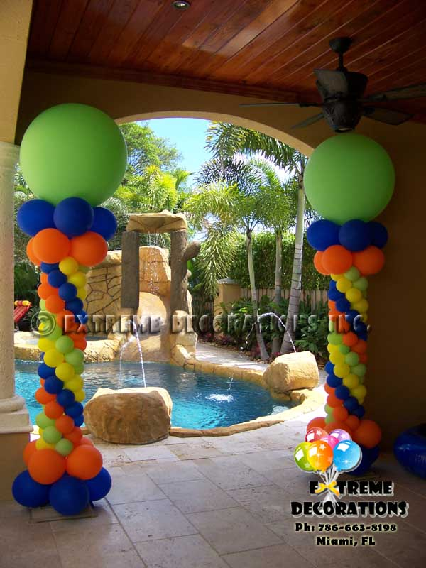 Balloon Columns with summer colors