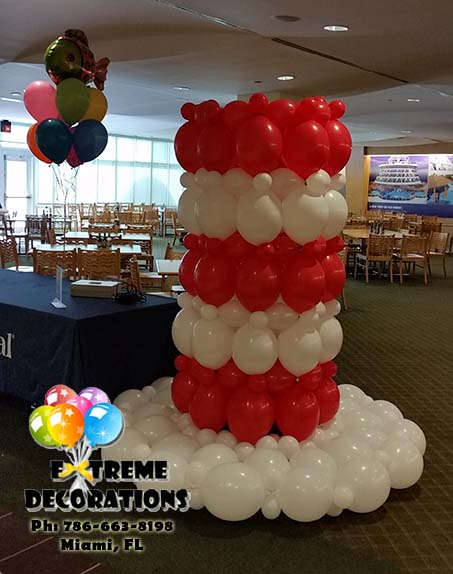 Dr Seuss Cat in the hat balloon decoration