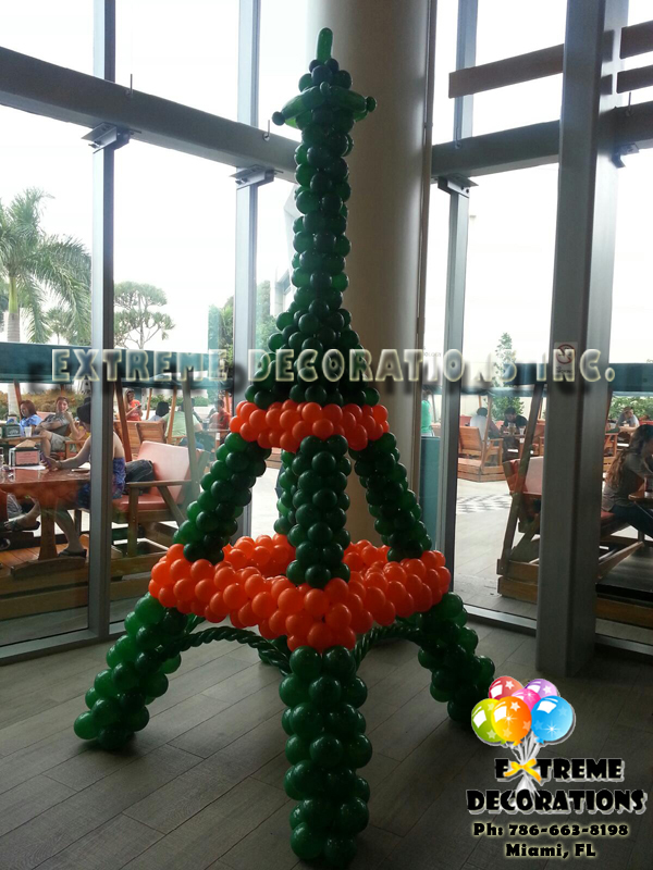 Eiffel Tower Balloon sculpture