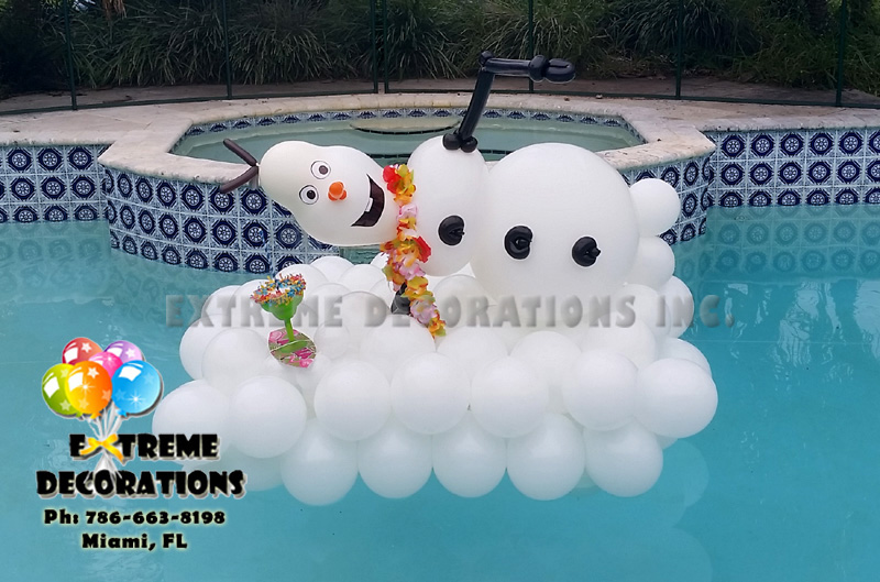 Frozen Olaf balloon sculpture
