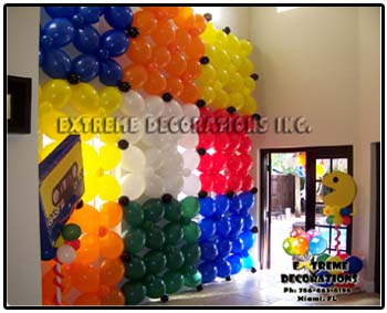 80's Theme balloon decorations - Rubik's cube wall