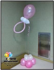 hot pink balloon topiary centerpiece